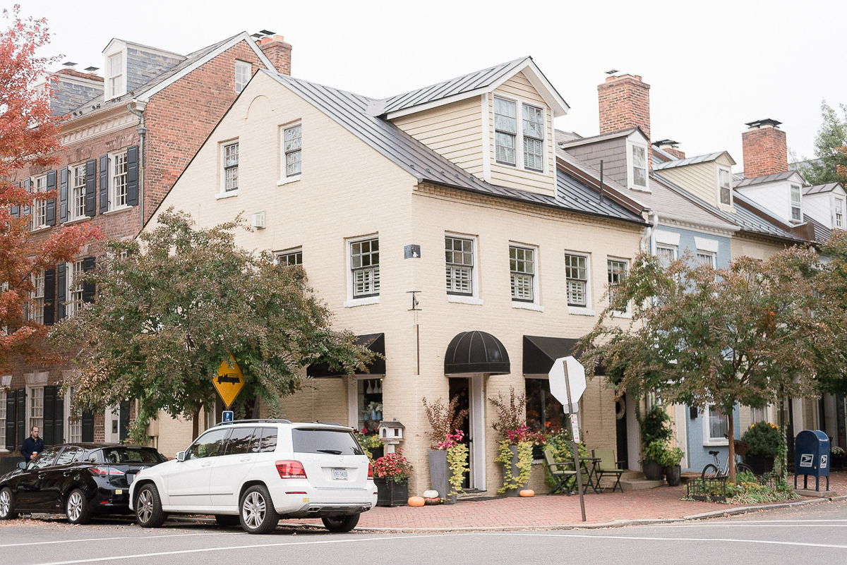 VA-Old-Town-Alexandria-Fall-Engagement-5.jpg