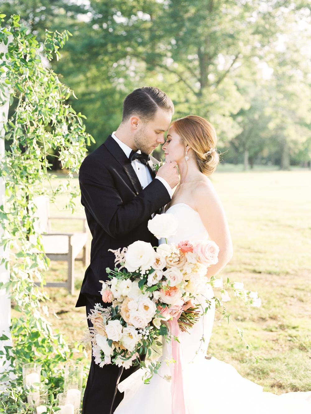 English-Estate-Garden-Wedding-Inspiration-17.jpg