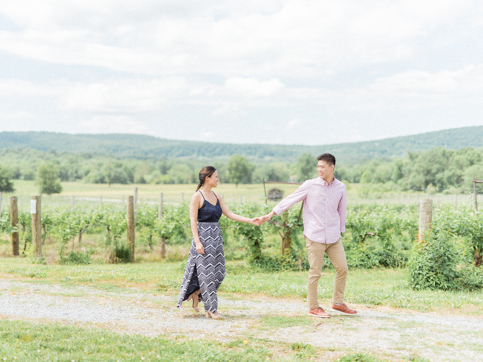VA-Breaux-Vineyard-Summer-Engagement-11.jpg