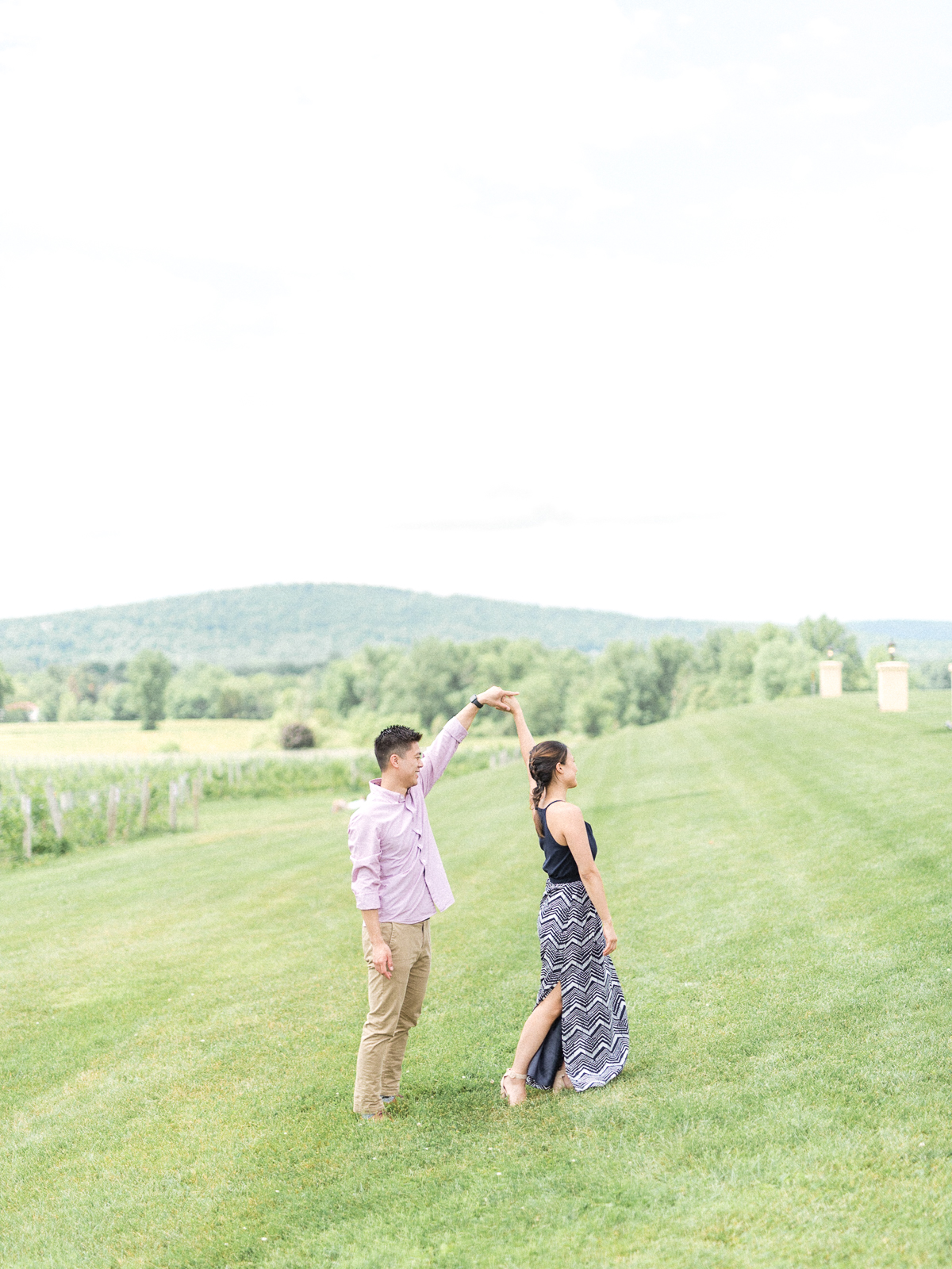 VA-Breaux-Vineyard-Summer-Engagement-17.jpg