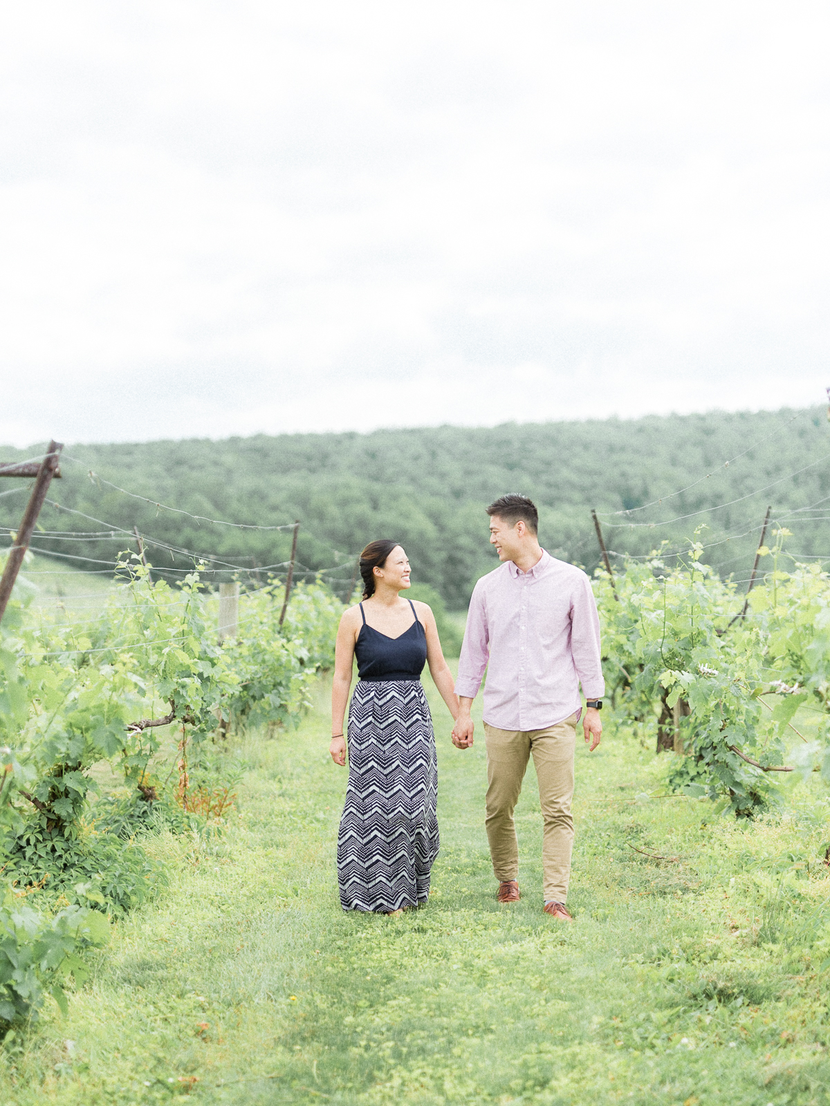 VA-Breaux-Vineyard-Summer-Engagement-2.jpg