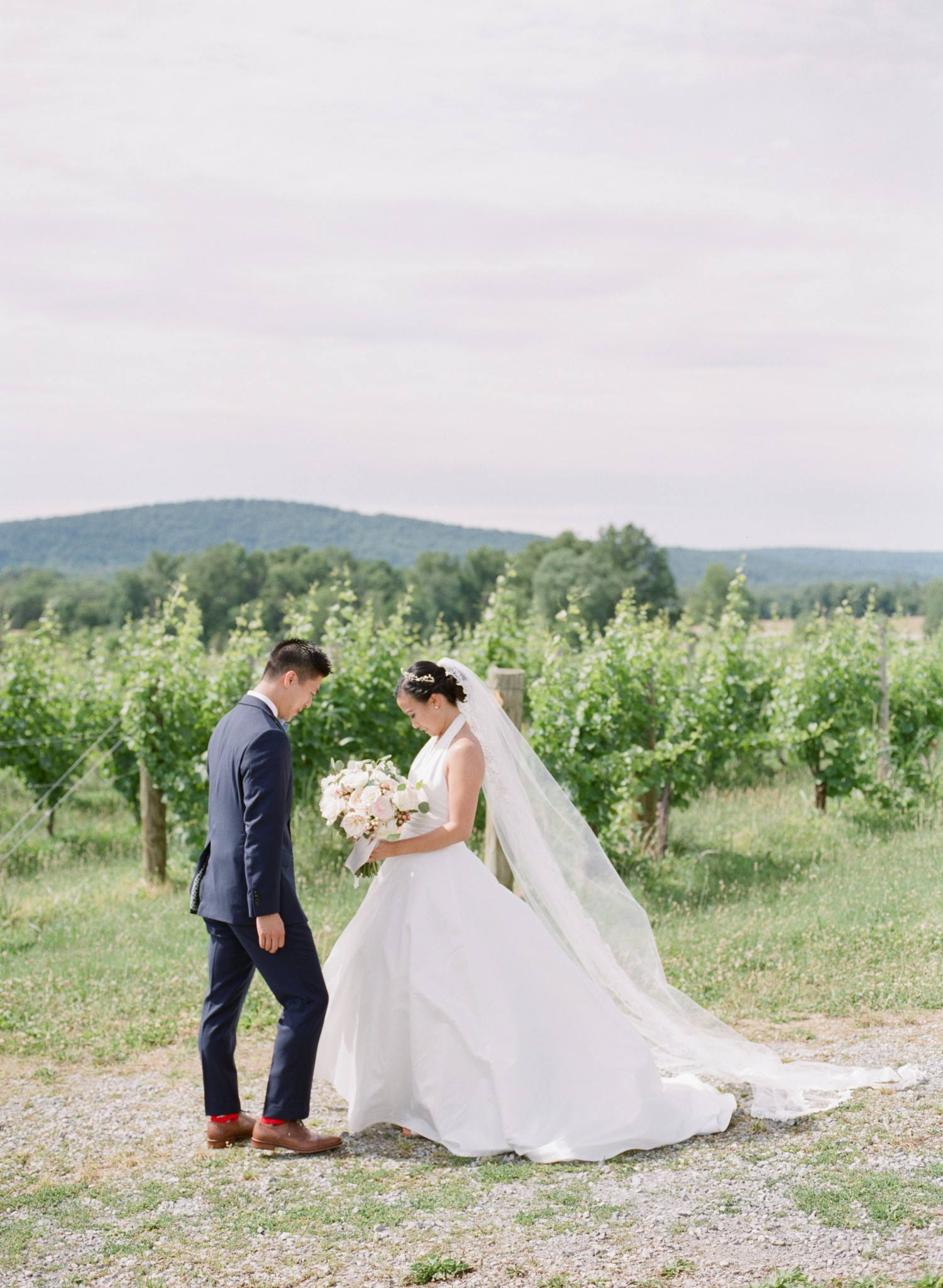 VA-Breaux-Vineyards-Summer-Wedding-Dusty-Blue-19.jpg