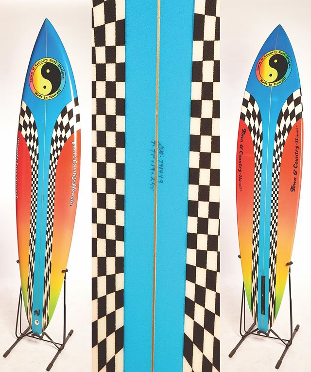 REPOST: this is a 1979 Vintage surfboard shaped originally by master shaper Glenn Minami. I just love the color combination used on this board. This beautiful board was shaped for speed. Single box fin design with a round pin tail. This board was restored to its original conditions about 5 years ago. The talented team involved on this restoration was: Glassworks Hawai'i (glassing) Laura Powers (airbrush) Steve Wilson (glass off) Glenn Minami (signature and inspection) This board is still a part of the @luisrealcollection