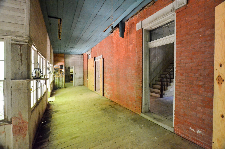 holthouse-5.jpg