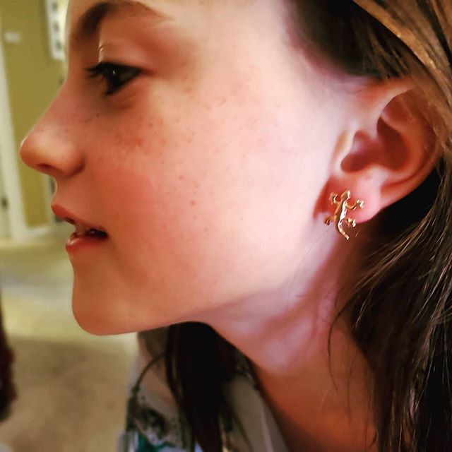 My #GECko with her #geckoearrings #photogenicmuch @mtcrider @destinationhomeschool