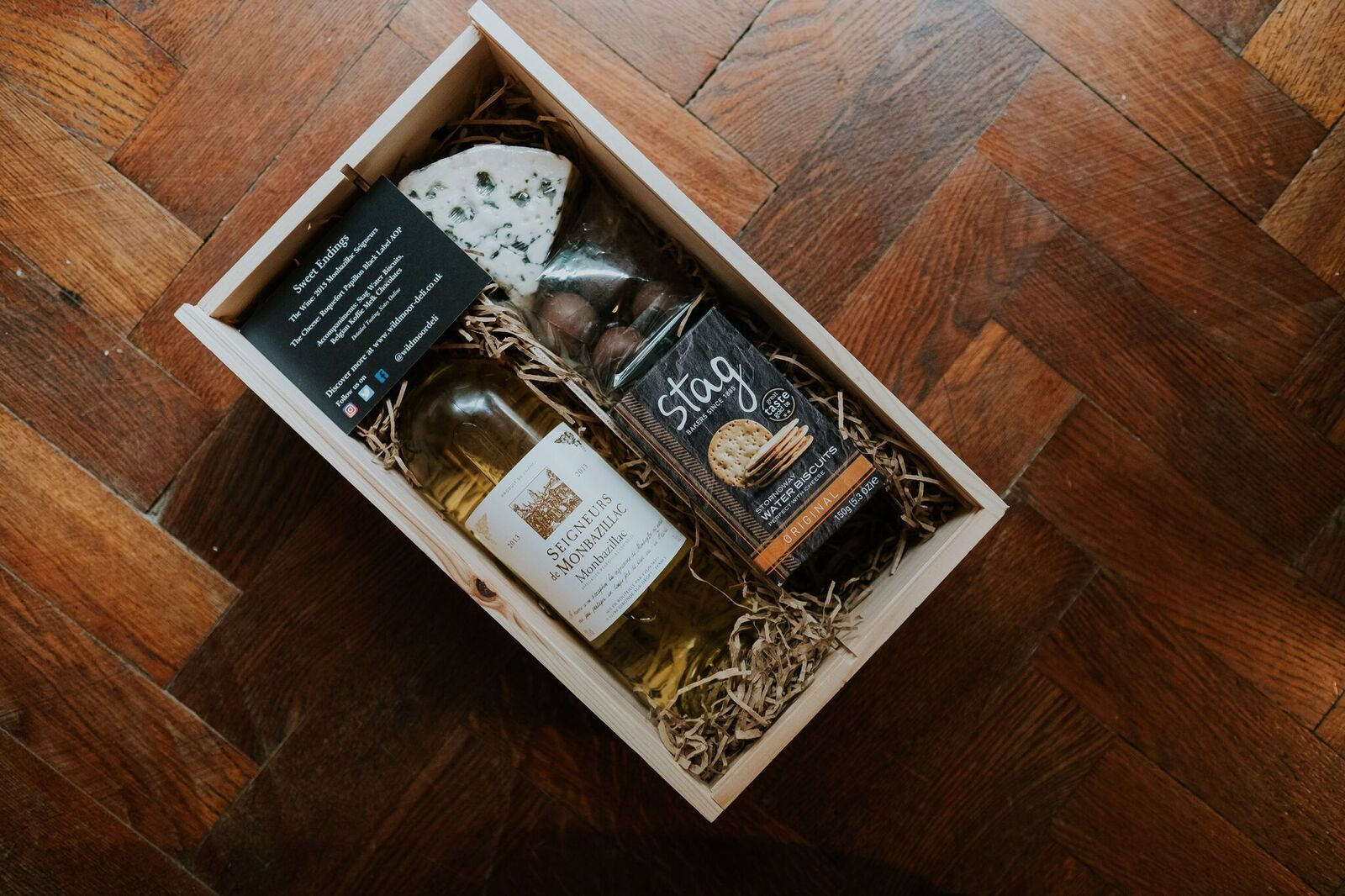 Wildmoor Wine and Cheese Gift Box Joanna Nicole Photography (16 of 21)_preview.jpg