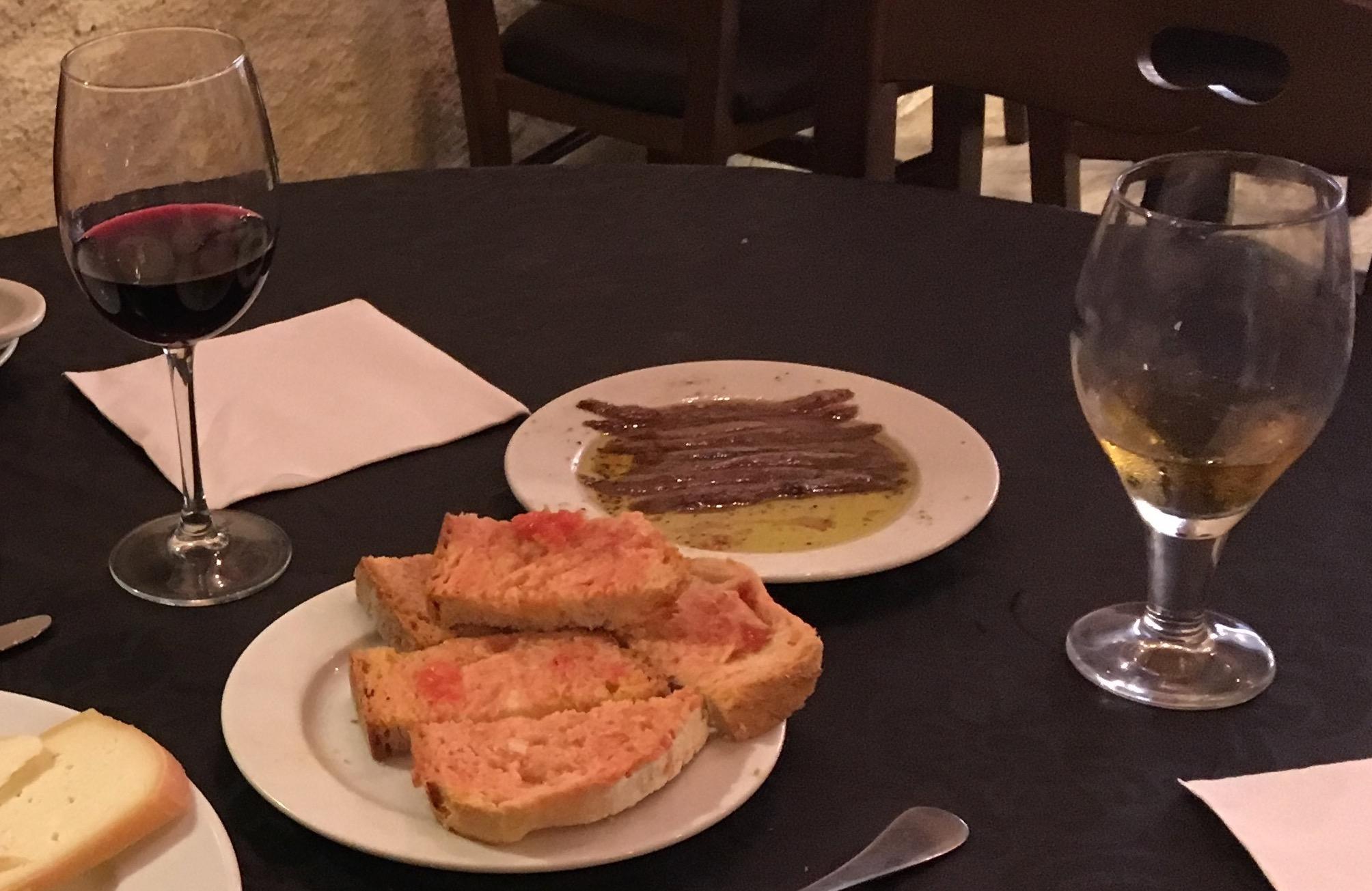 Pa amb tomàquet - Bread and tomato