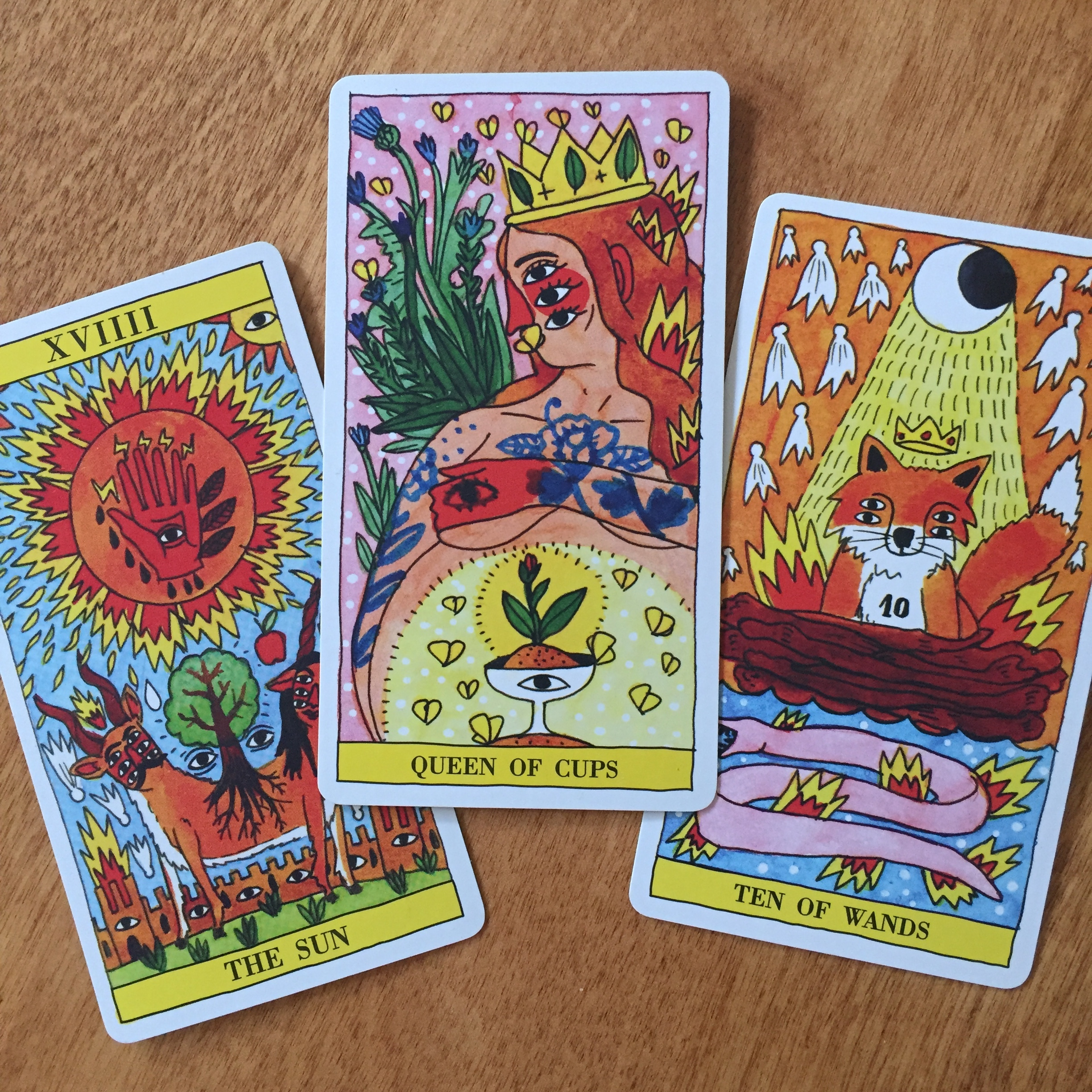 Ricardo Cavolo Tarot del Fuego Queen of Cups The Sun Ten of Wands