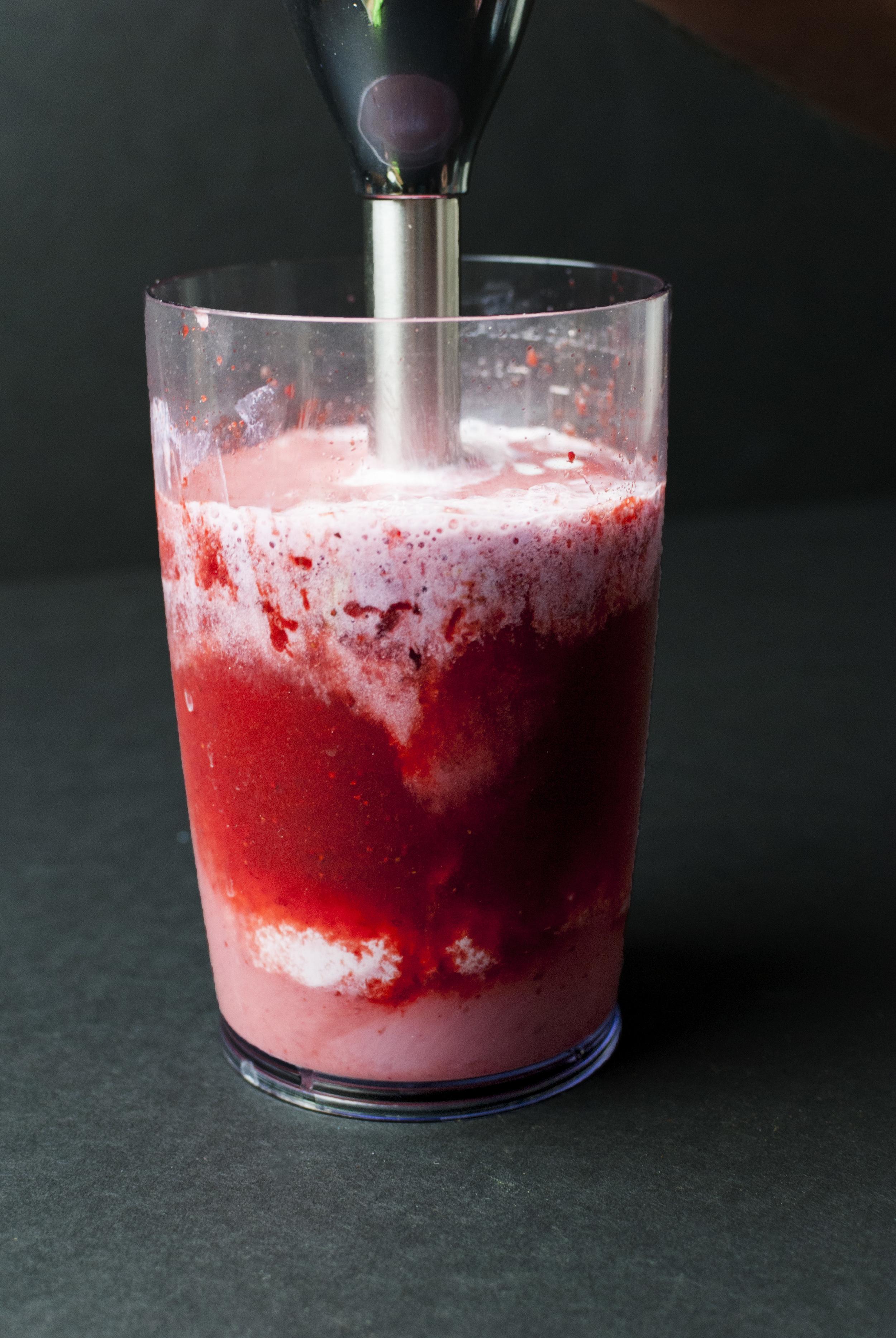 Strawberry_ice_cream_09.jpg