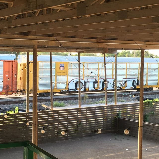 A few sights from today at the train yard with @pyramidguy #uponalift #painting #traincar