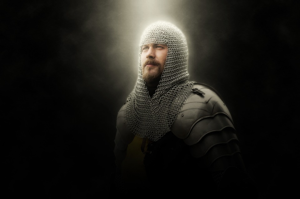 https://pixabay.com/en/knight-armor-chainmail-middle-ages-1996168/