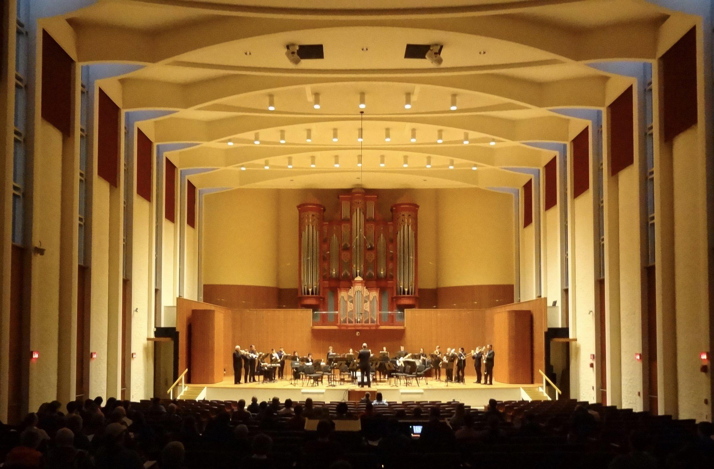 Oberlin Sinfonietta, Tim Weiss conducting, playing Gordon's  No Anthem  in Warner Hall