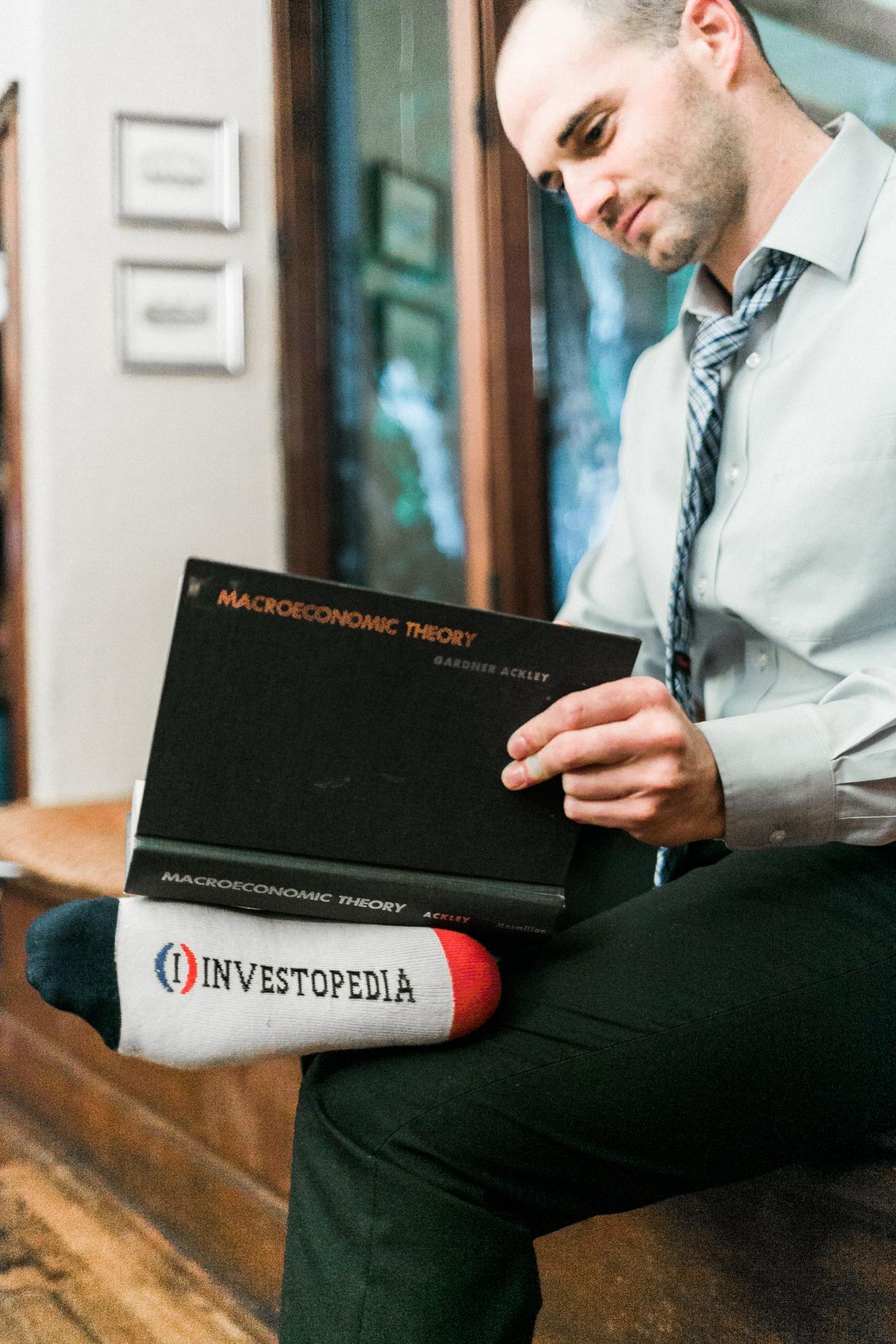 Rischall, Stephen Investopedia socks.jpg