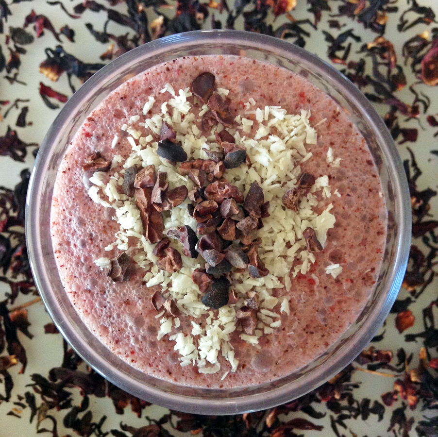 hibiscus berry smoothie and keto berry smoothie recipe