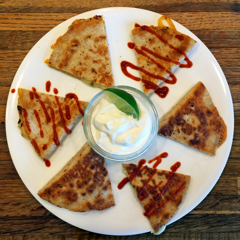 easy keto quesadilla recipe for a quick and cheesy keto lunch