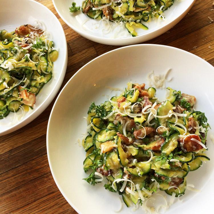 Bacon carbonara pasta recipe for the ketogenic diet. Enjoy this keto pasta carbonara for dinner.