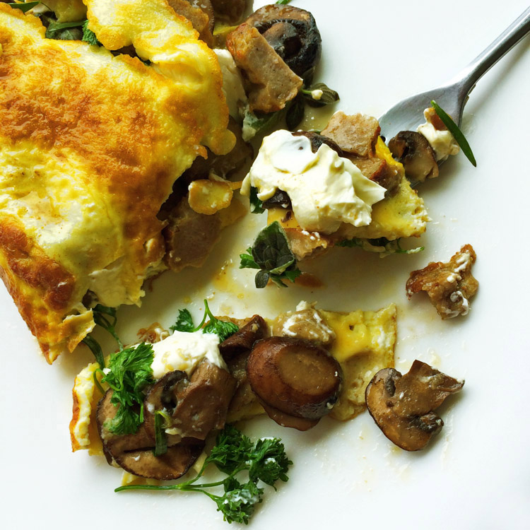 Keto omelette recipe with sausage. Make this easy omelette for breakfast on the ketogenic diet.