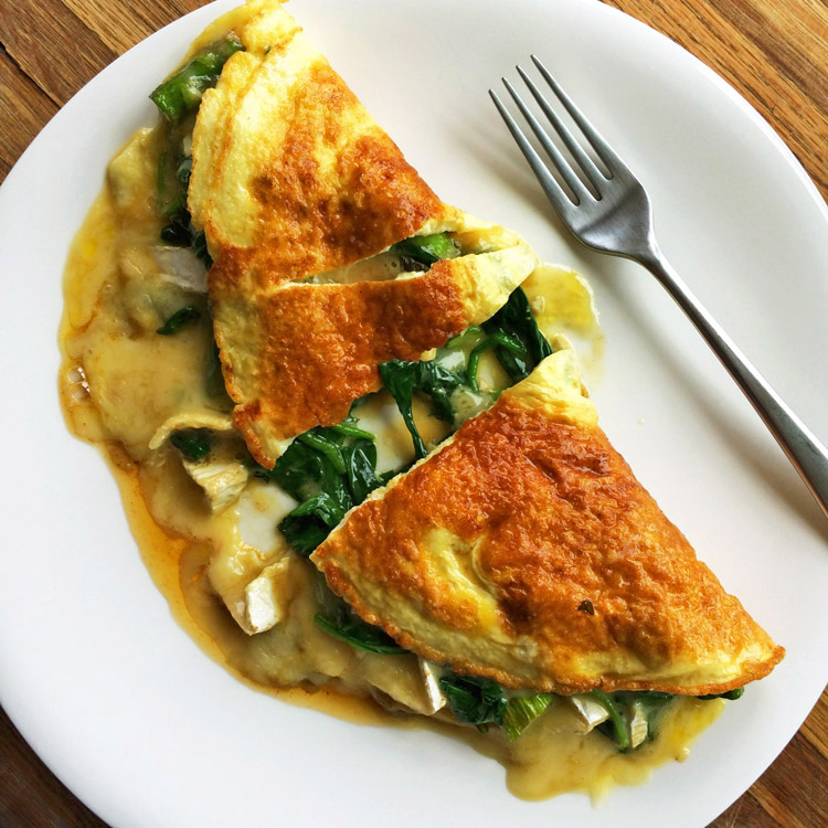 Easy spinach omelette for a low carb diet. Make a keto breakfast recipe with spinach and cheese.
