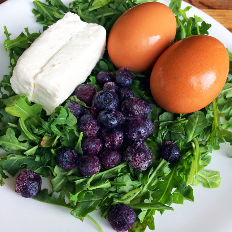 Keto omelette recipe with low carb ingredients. Make this breakfast recipe on the ketogenic diet with blueberries.