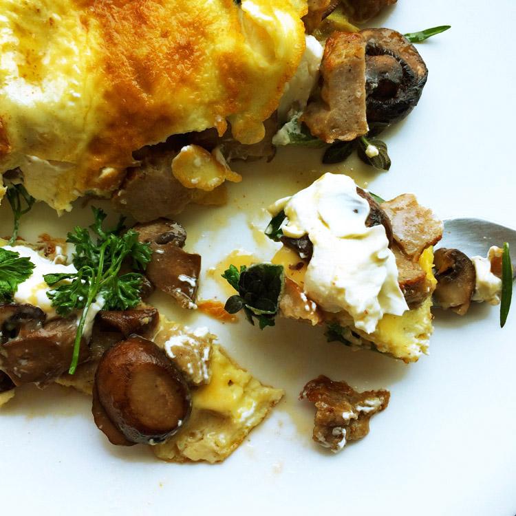 Best low carb omelette recipe for breakfast. Enjoy this keto omelette recipe on the ketogenic diet.