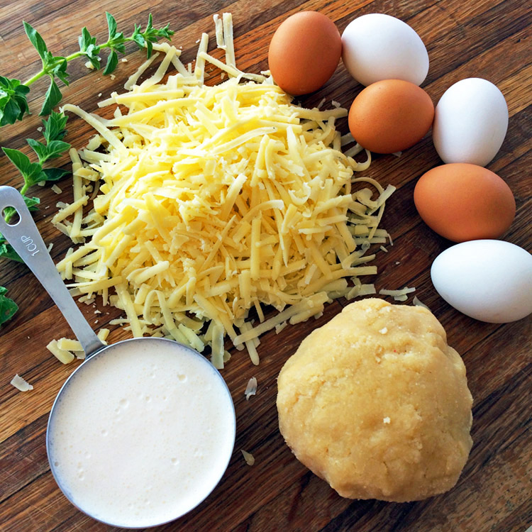 Ingredients for the keto crustless quiche recipe. Make this easy keto breakfast quiche for losing weight.