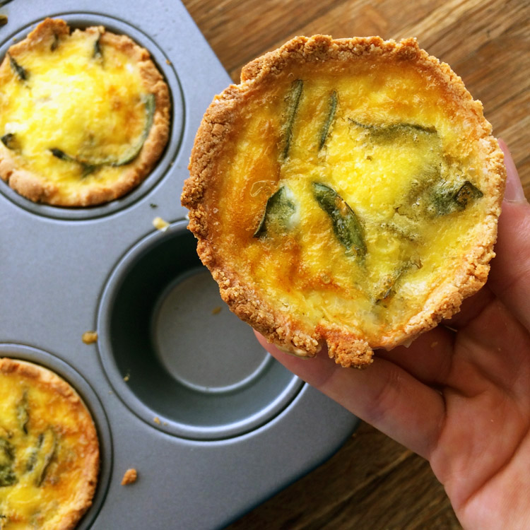 Easy keto quiche recipe for lunch. Make mini quiche muffins for a quick keto recipe.