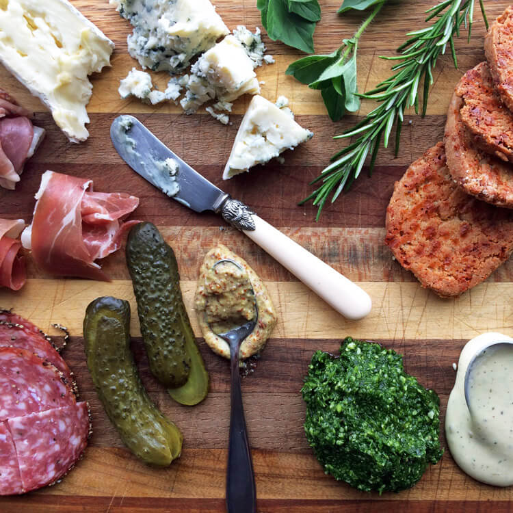 Make this easy keto lunch recipe for weight loss. Charcuterie is a perfect on the go lunch for the ketogenic diet.