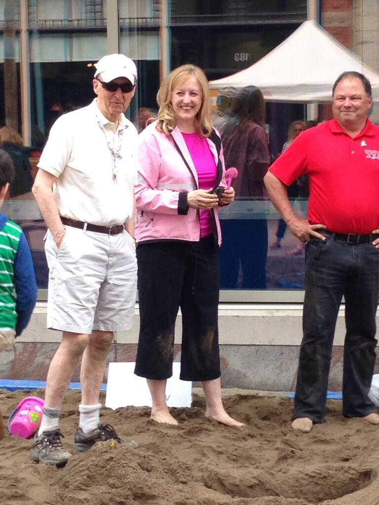 Team CTV's Don Martin & Craig Oliver take a break from digging with the Hon. Lisa Raitt