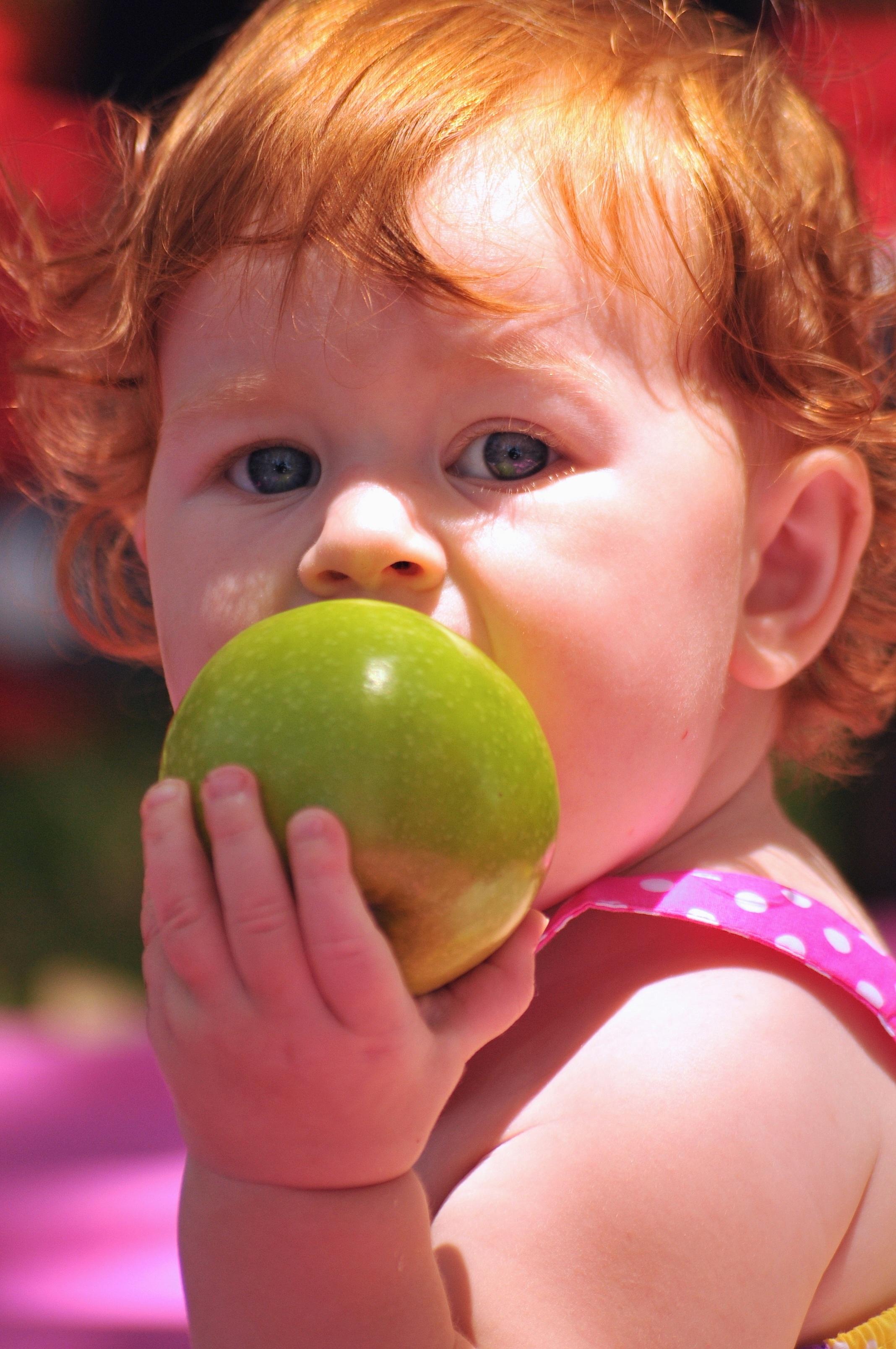 apple-1370924.jpg