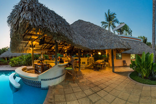 The Bar and Restaraunt area by the pool