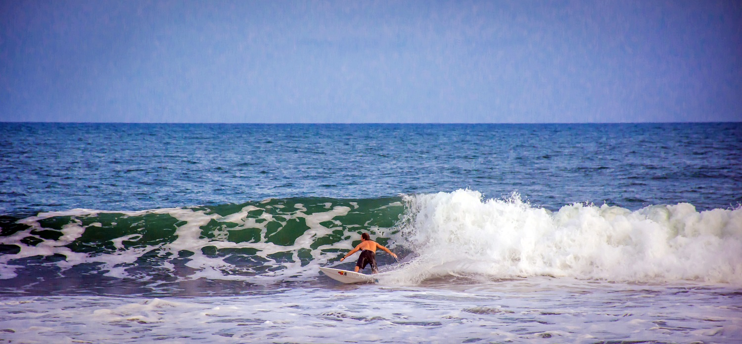 Surfing Sipacate Guatemala