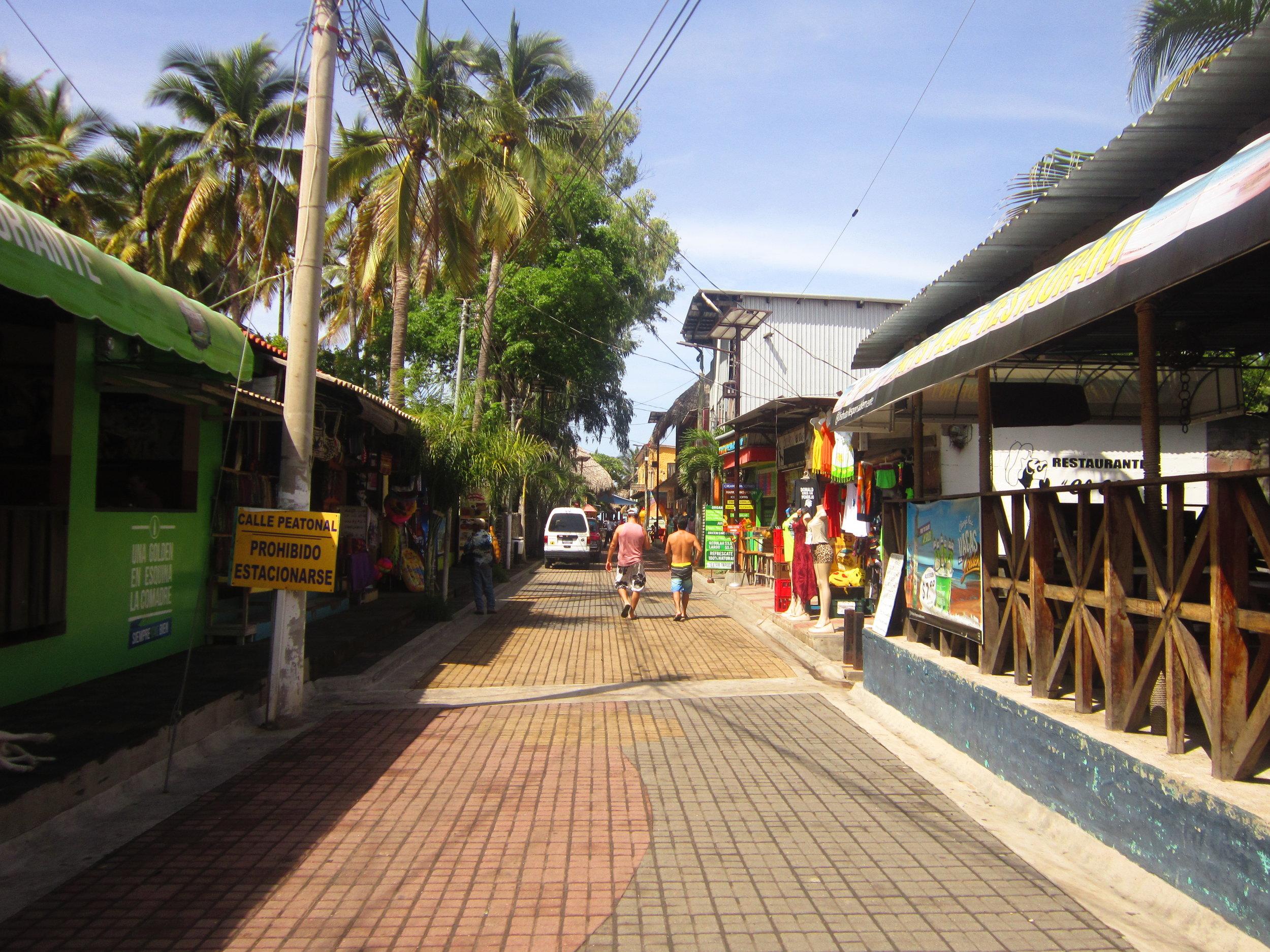El Tunco town