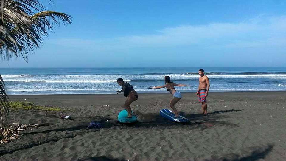 Beach (surf).jpg
