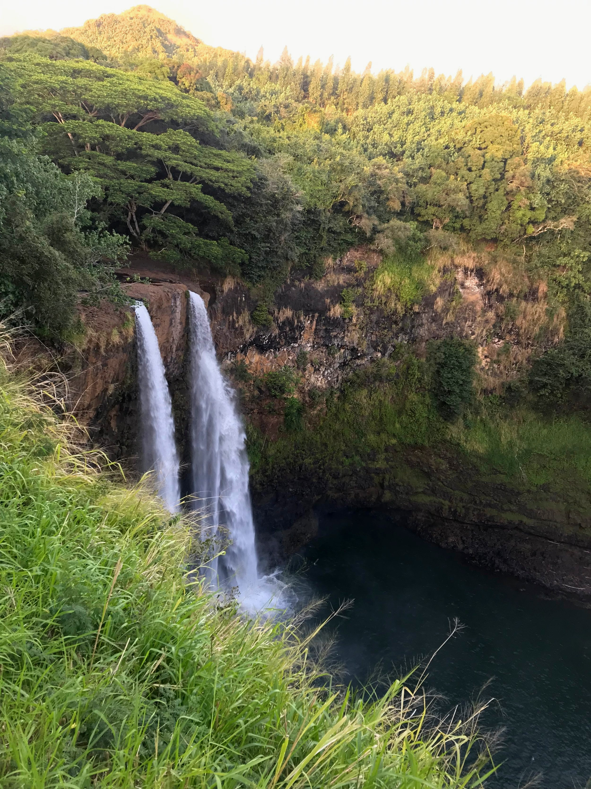 Kauai_waterfall.JPG