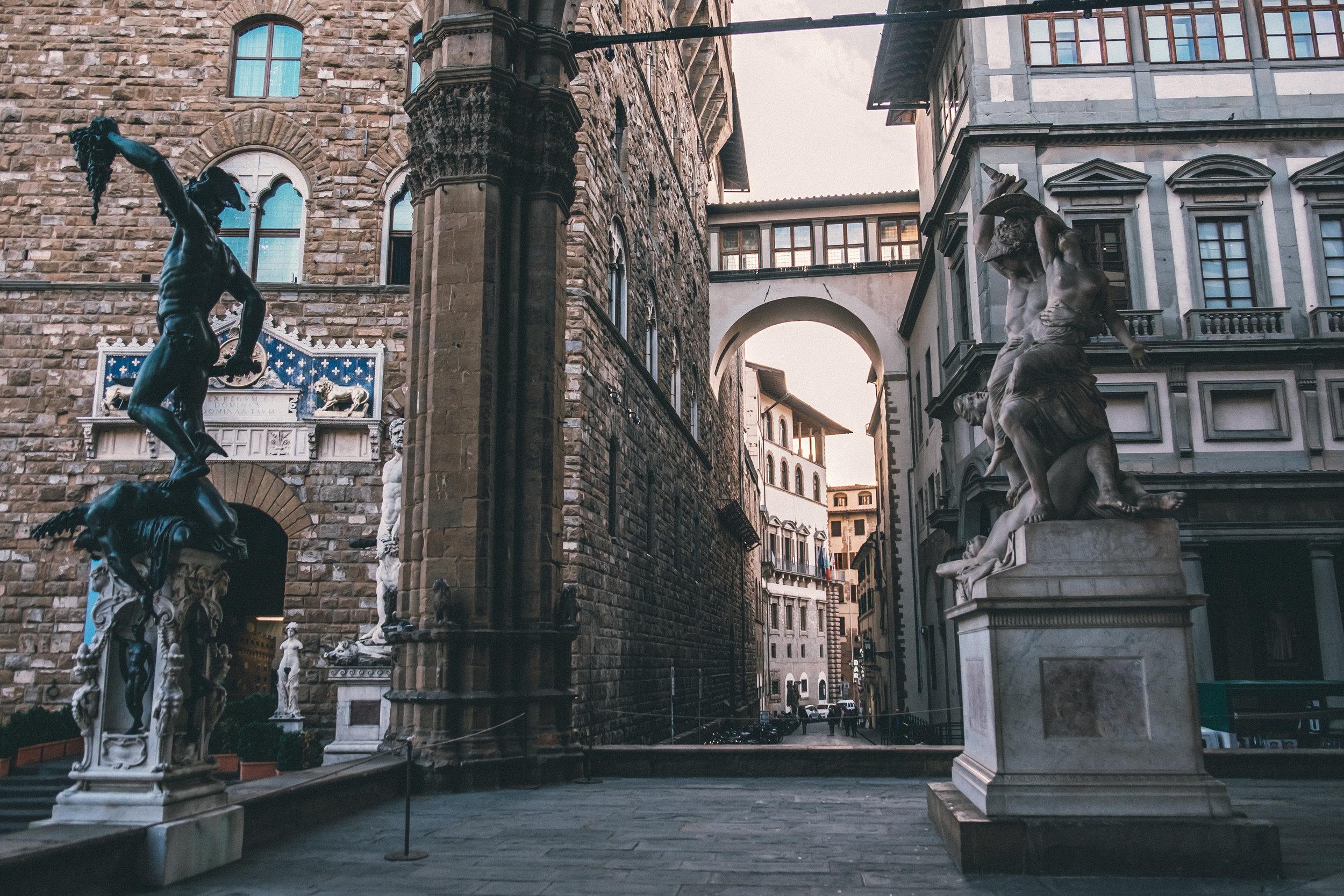 Palazzo Vecchio, Loggia dei Lanzi
