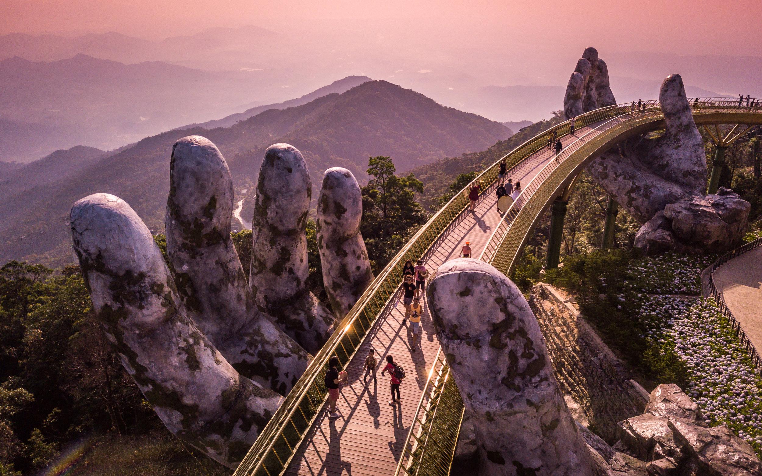 Golden Bridge - Bà Nà Hills, Da Nang, Vietnam