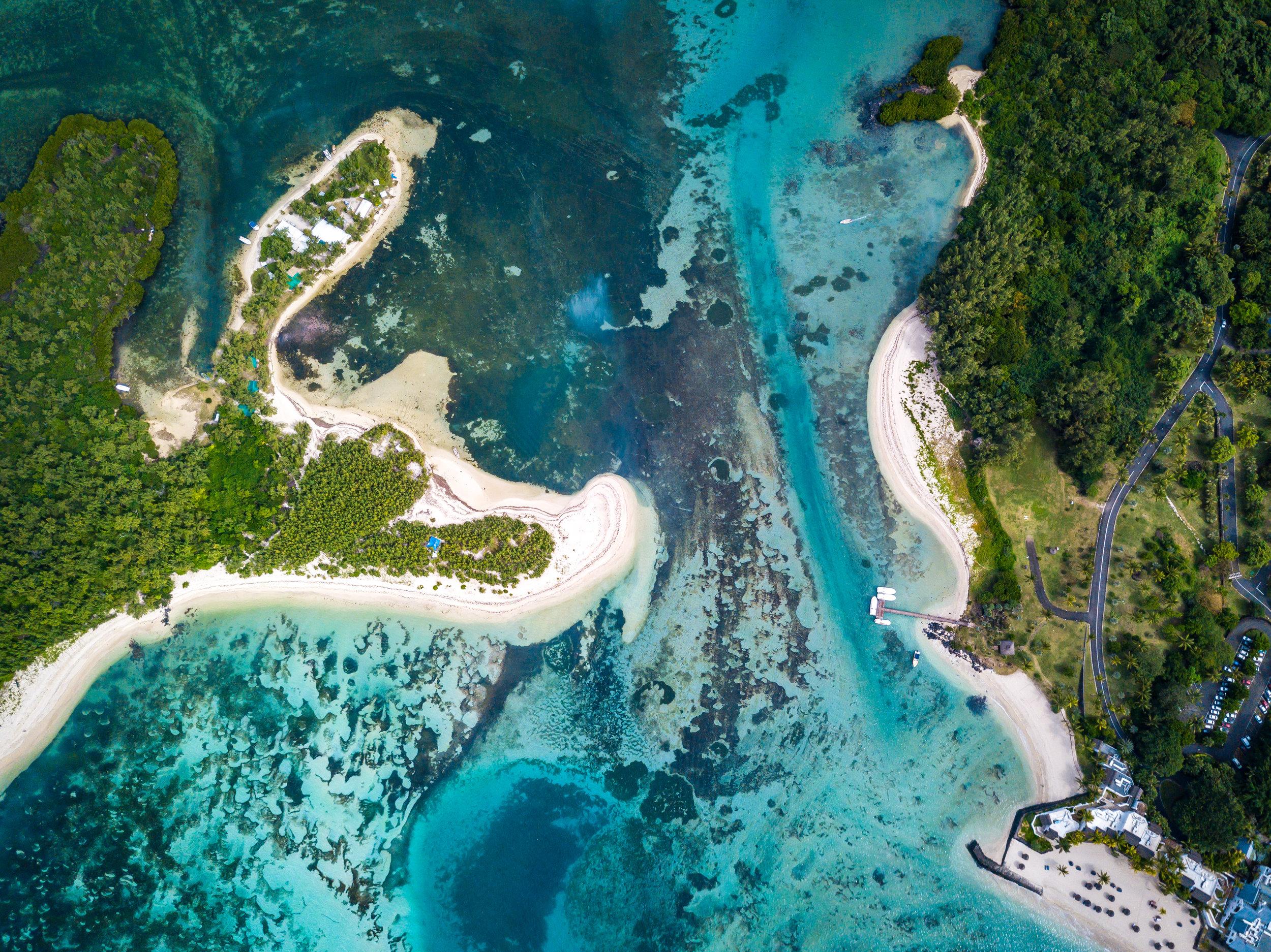 Ile Aux Mangénie - Mauritius Lagoon
