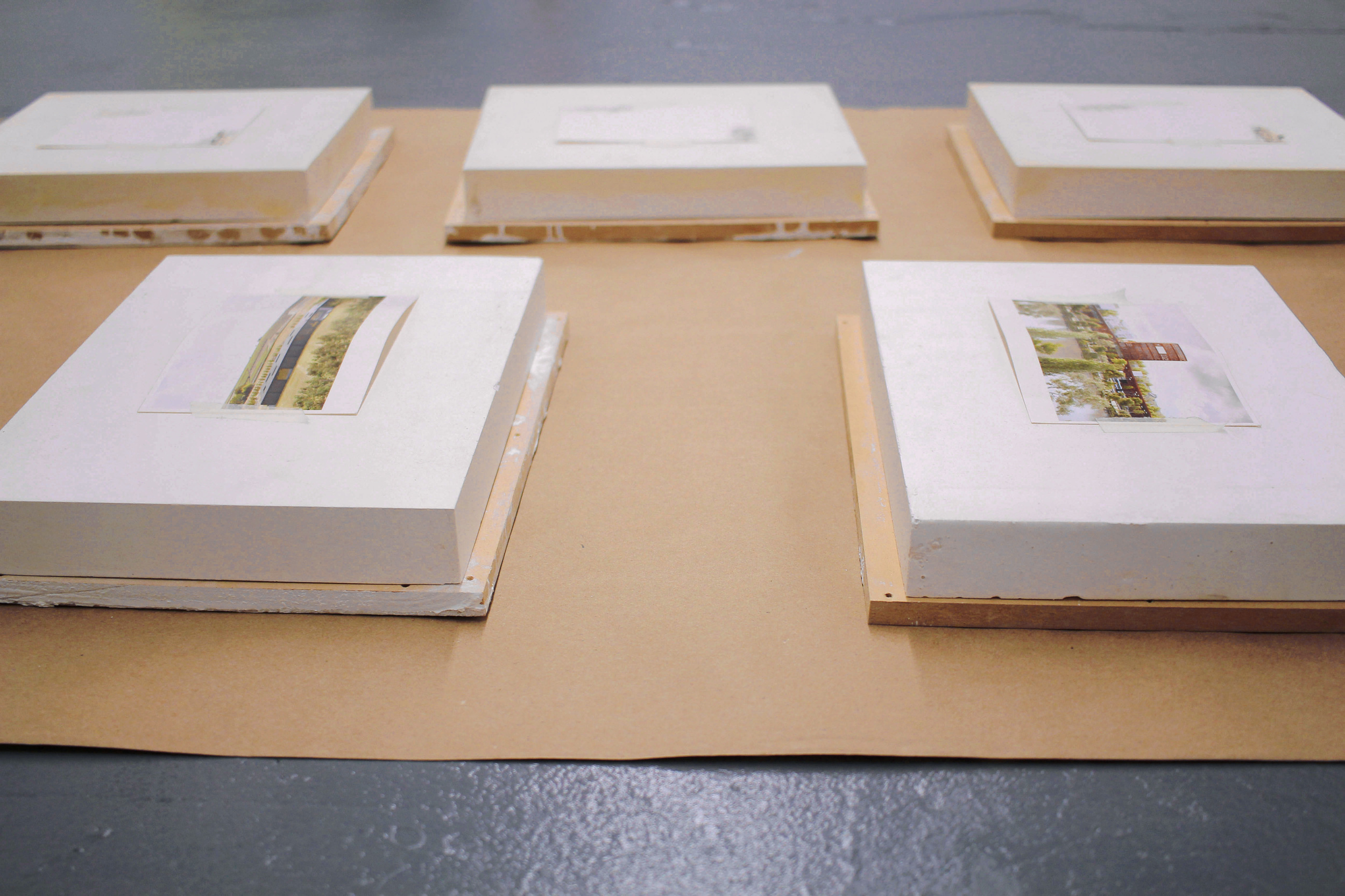 Study for the Structure of the Presentation of a Place , 2016, Plaster, postcards, masking tape, mdf panels, craft paper, Dimensions variable, Installation detail