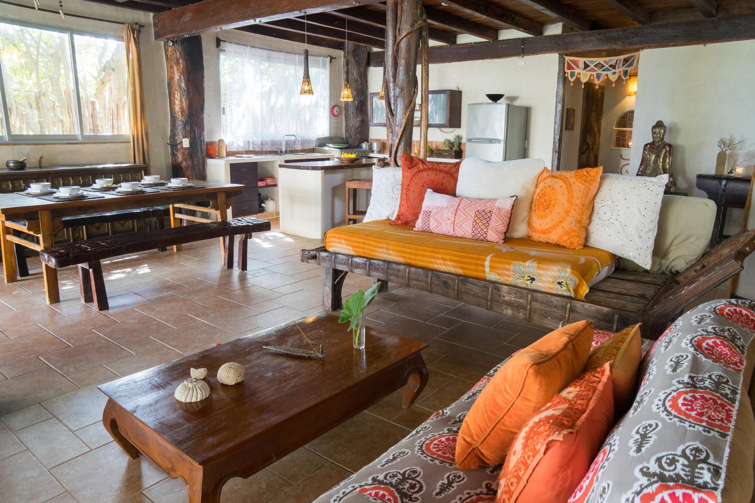 Casa Grande Living Room 4.jpg
