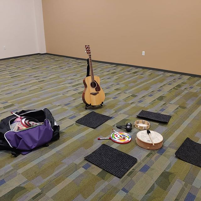 Getting ready for a Family Sprouts class this morning at the Queen Creek Library Rec Annex! You can still sign up with your baby and/or toddler to join our spring class! #sproutingmelodies #familysprouts #music #babiesandmusic #toddlersandmusic #musicforbabiesandtoddlers #musictherapist #musictherapistboardcertified #queencreek #queencreekaz #asoundagency