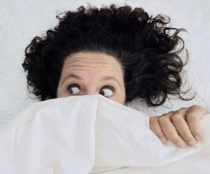 sleep looking afraid under blankets – chronotypes