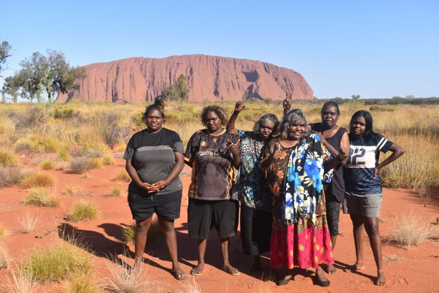 Walkatjara Artists in the Uluru-Kata Tjuta National Park 2019