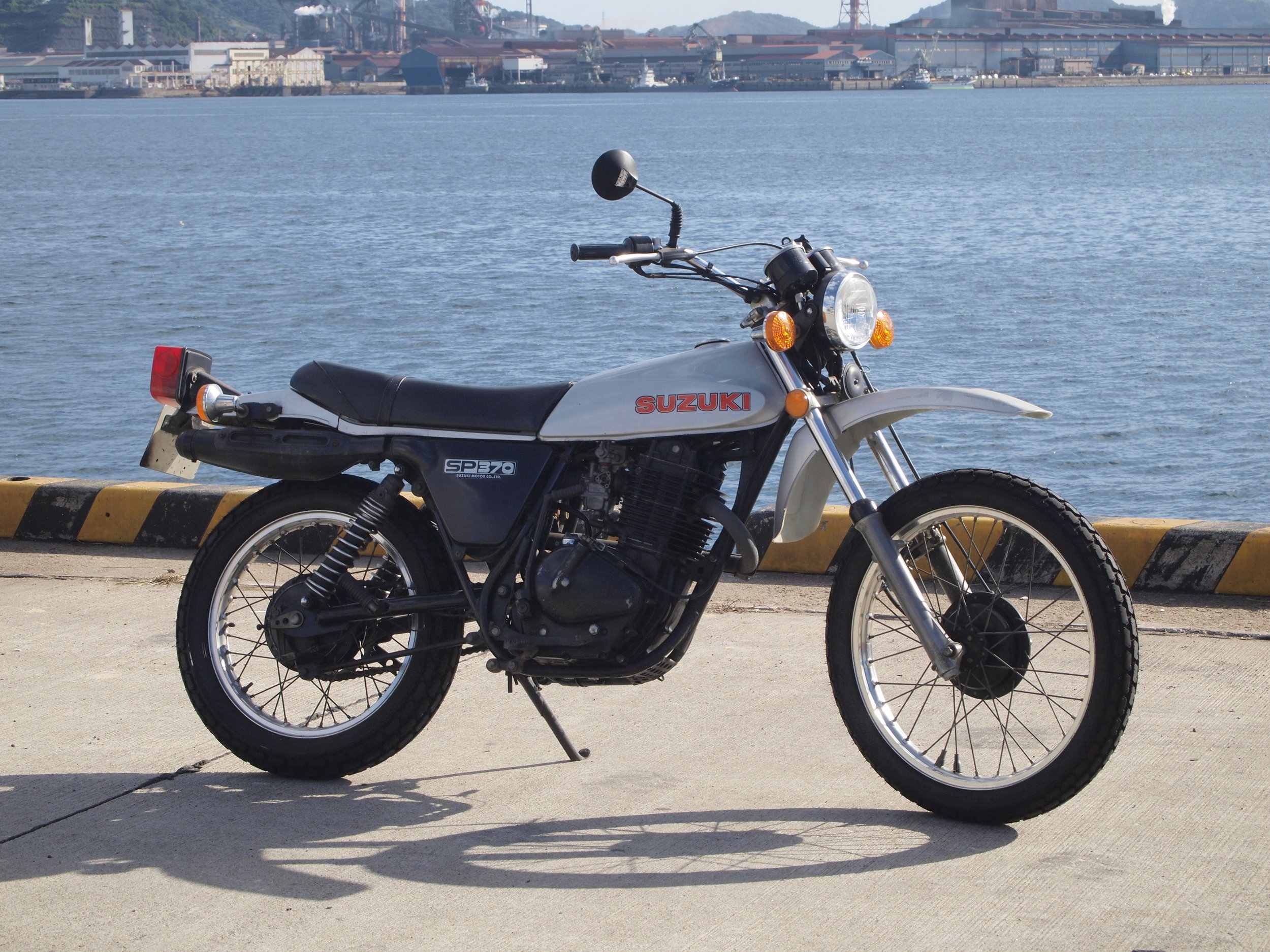 1978 SUZUKI SP370 — RePLAY MOTO SERVICE