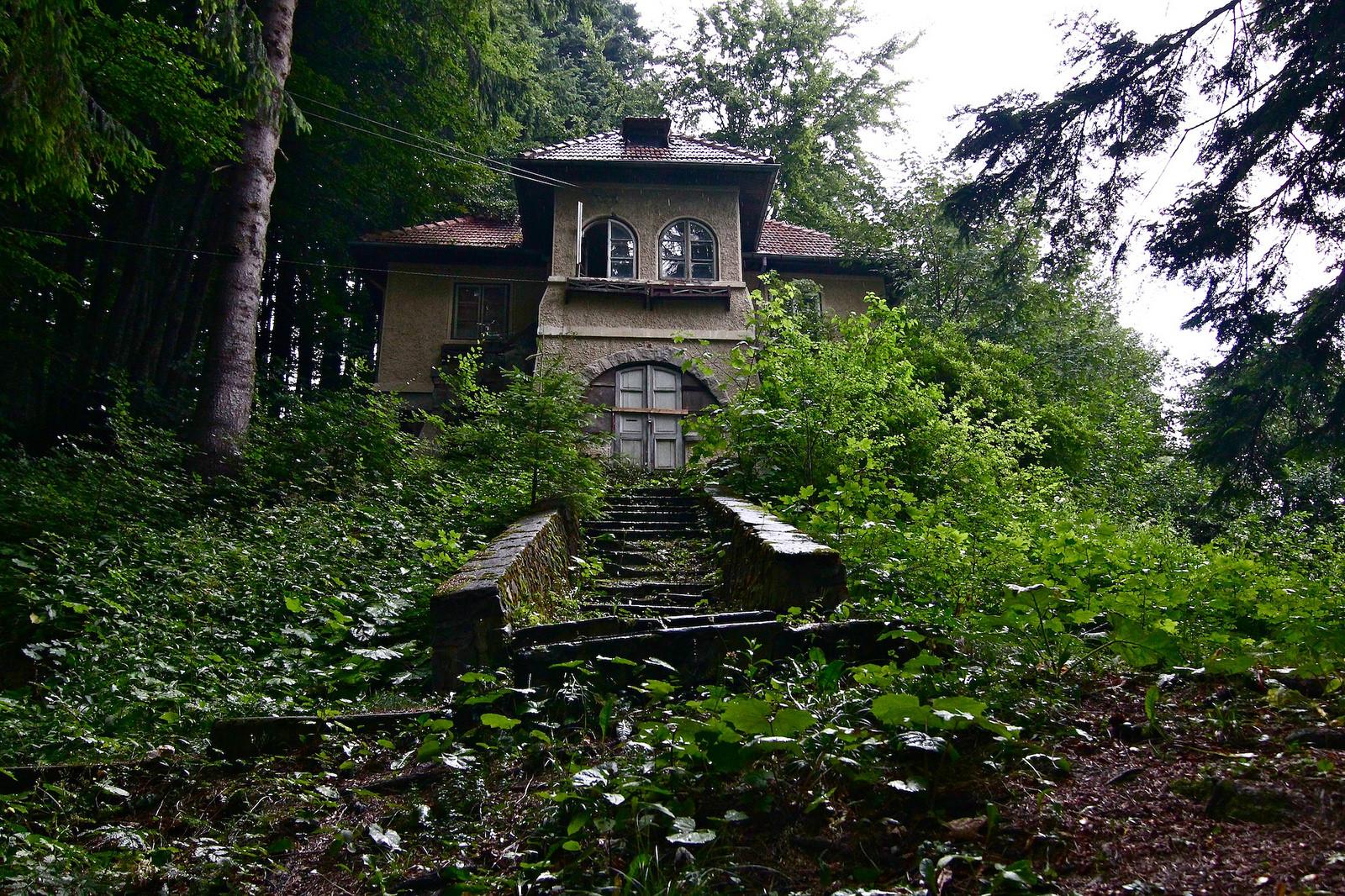 Abandoned House Sinaia