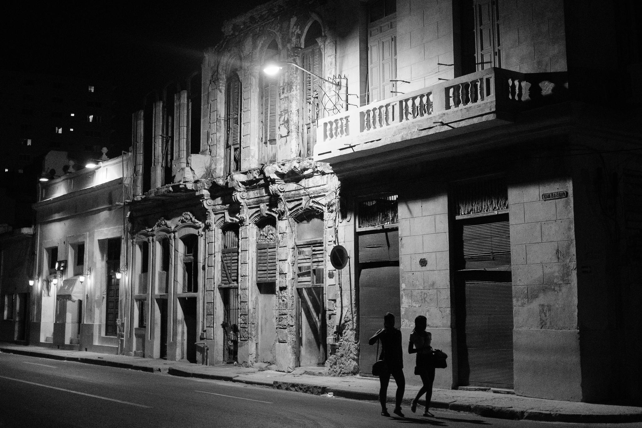 Havana at Night. Photo Fuji X100F
