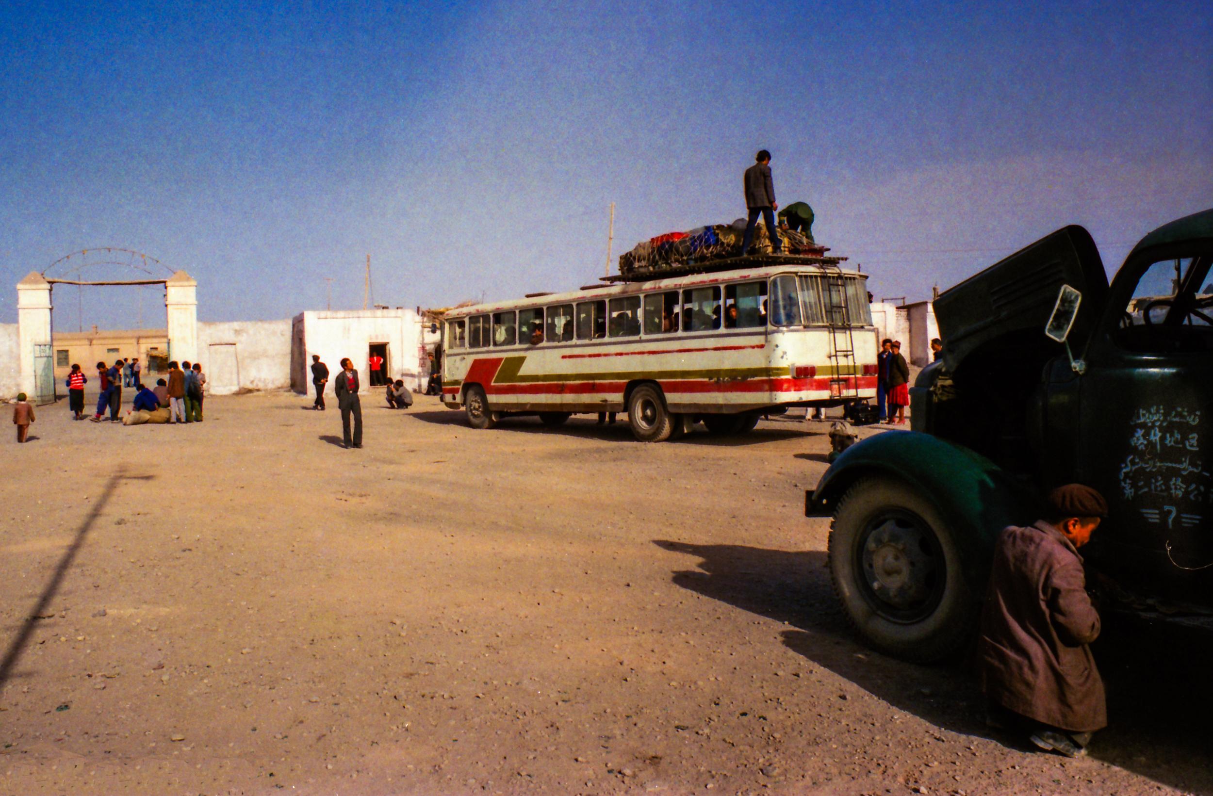 Truckstop on the road between Kashgar and Turfan