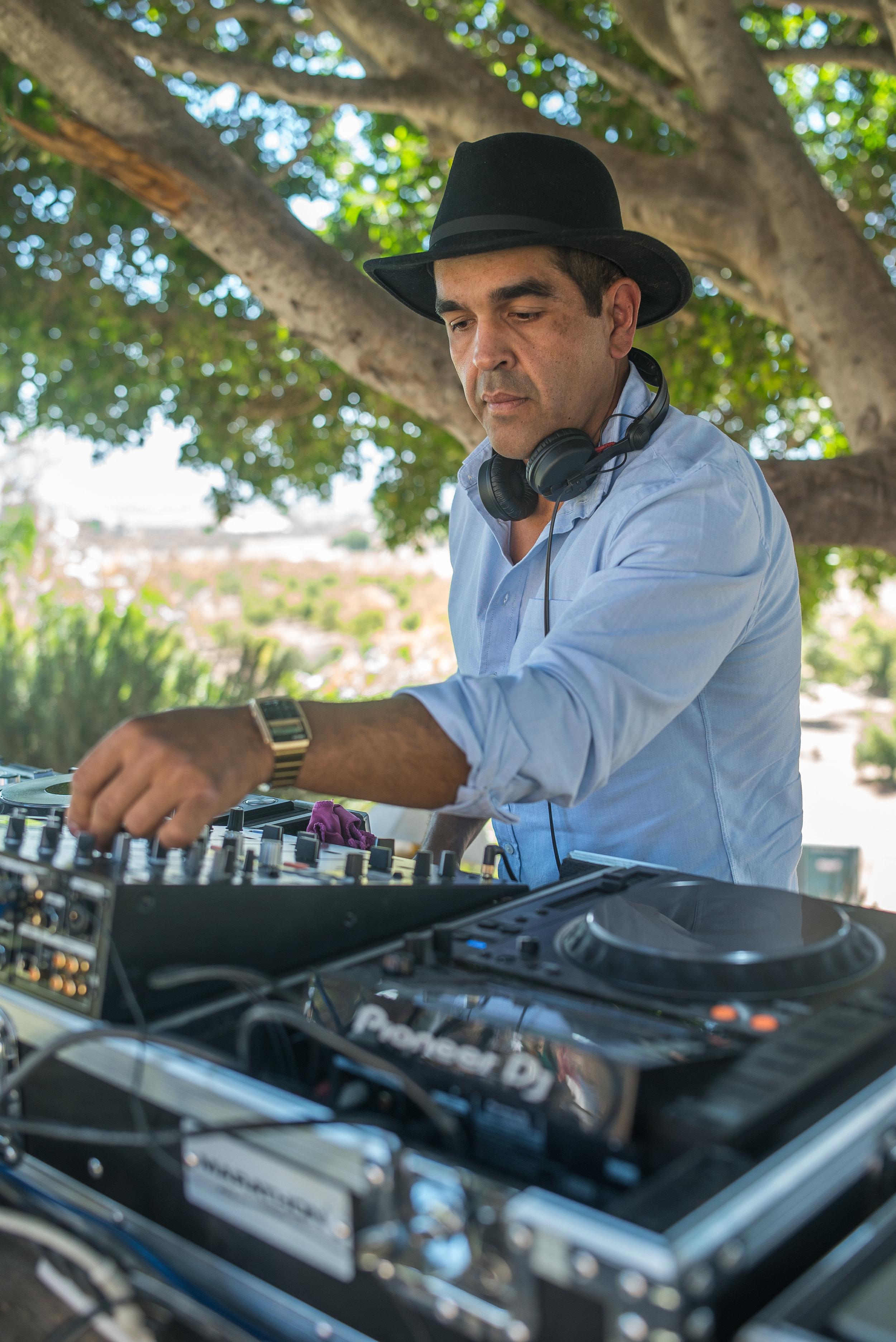 DJ JHONNY C