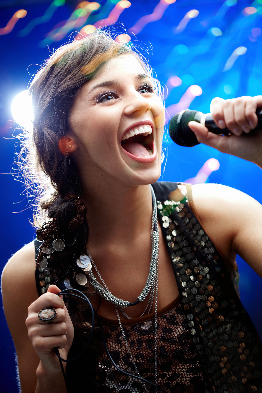 photodune-368900-karaoke-l.jpg