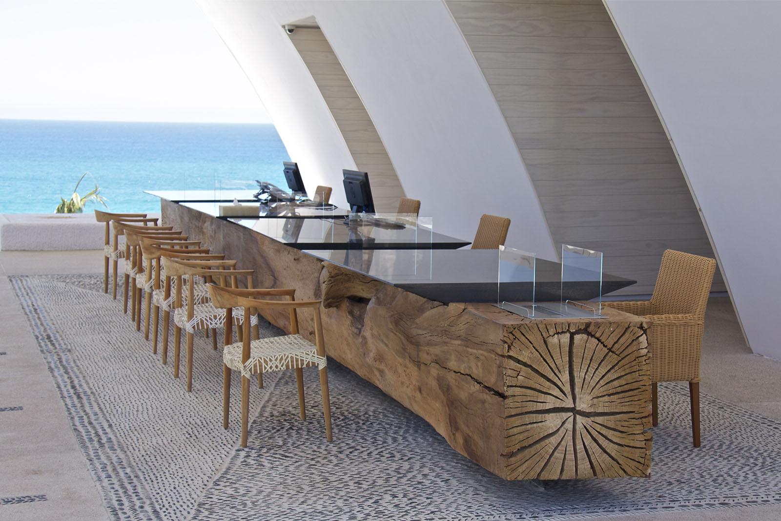 Front-Desk-Marquis-Los-Cabos.jpg