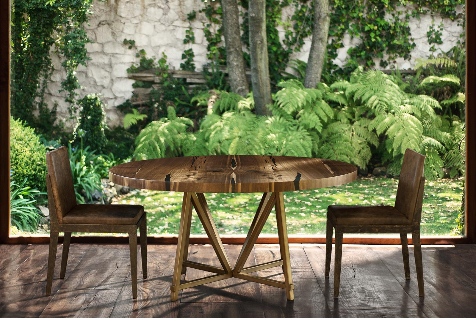 Nexo-Round-Dining-table-and-Forma-Chair.jpg
